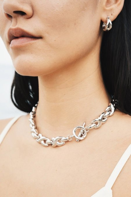 S_S.IL BOLD TWIST TWO WAY NECKLACE - WHITE GOLD