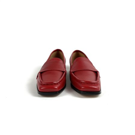 About Arianne calf leather loafer - Dali (Chili)