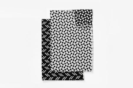 The tate gruop set of 4 bitmap napkins - black/white