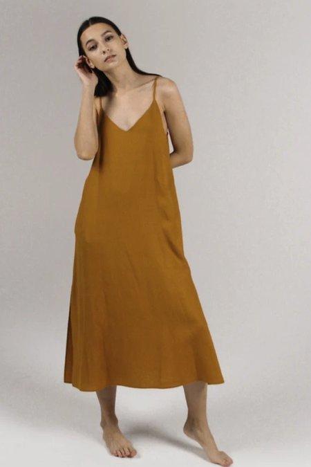Par en Par Cala Dress - Mustard