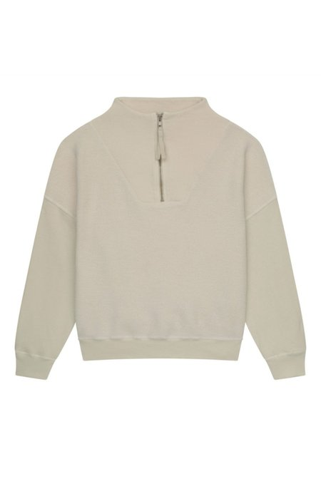The Great. The Trail Pullover - Washed white