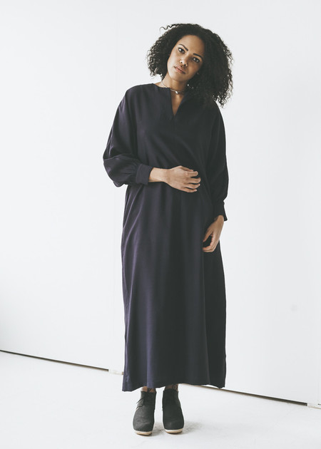 Sunja Link - Raglan Sleeve Dress in Navy
