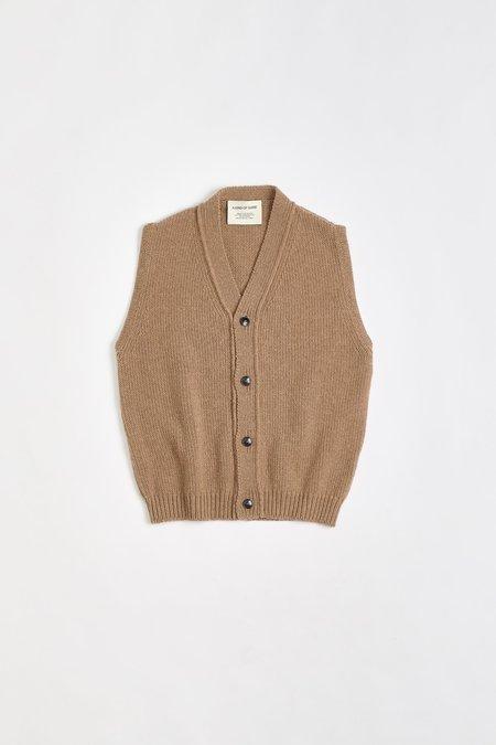 A Kind of Guise Shida Knit Vest - Camel