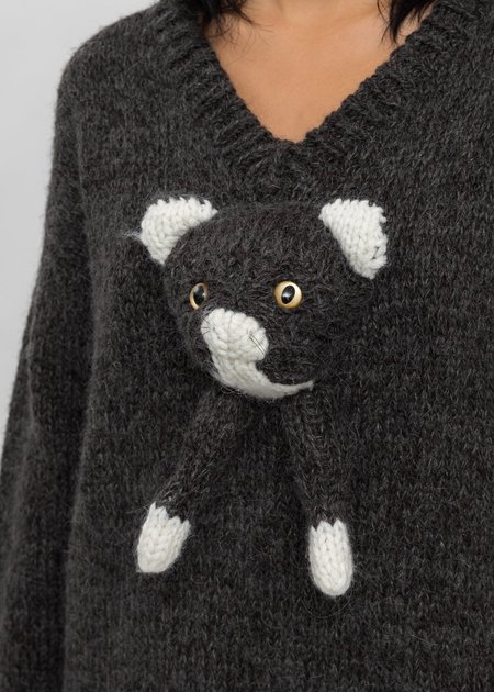 Doublet Stuffed Cat Hand-Knitting Pullover - Black