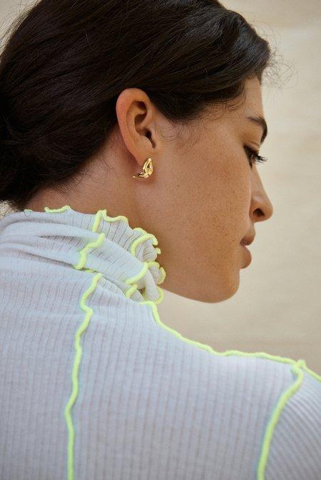Hana kim Embrace Earring - Gold