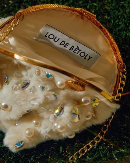Lou de Betoly Bunny Handbag - white