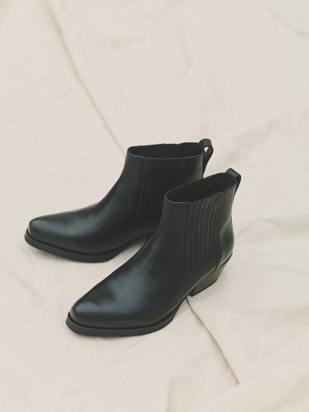 Our Legacy Calfskin Cuban Boot - Black