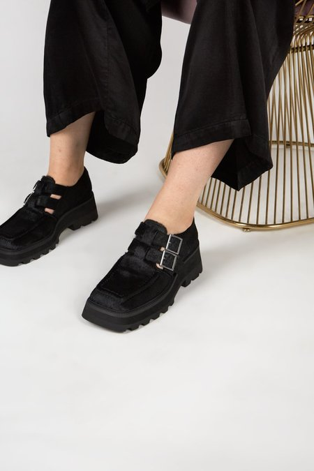 """""""INTENTIONALLY __________."""" METRE shoes - Black"""