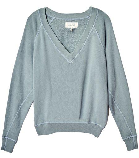 The Great.The V-Neck Sweatshirt - Dusty Blue