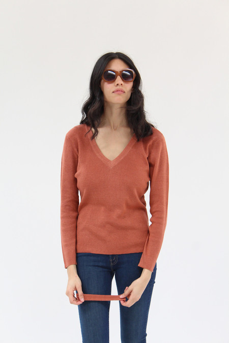Beklina Ribbed Bar V-Neck Sweater Red Clay