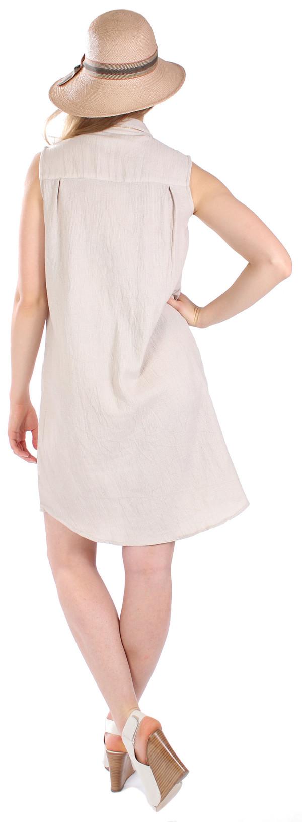 Curator Robyn Dress