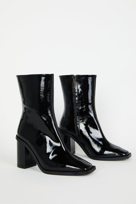 """""""INTENTIONALLY __________."""" EXTEND boots - Black"""