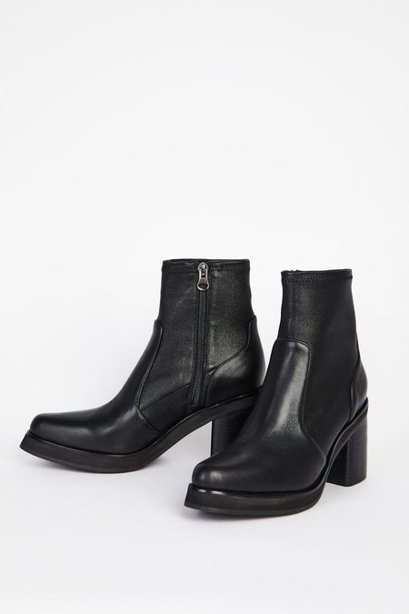 """""""INTENTIONALLY __________."""" PICO boots - Black"""
