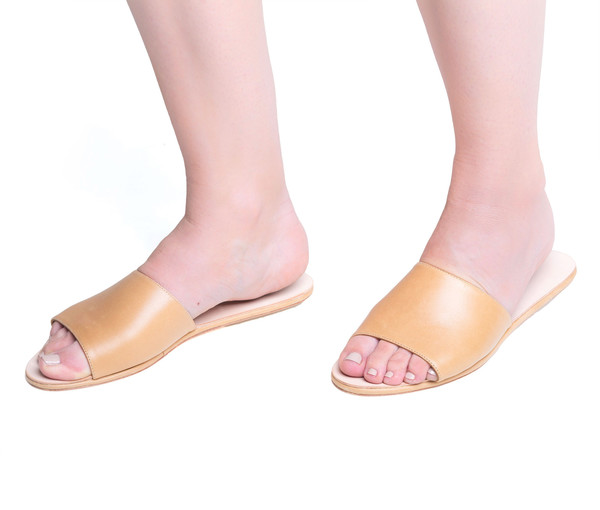 the palatines shoes caelum slide sandal - tan smooth leather