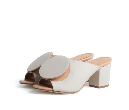 The Palatines Salio Mule with Block Heel & Origami Ornament - Cream super matte / tan smooth leather