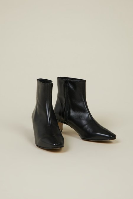 """""""INTENTIONALLY __________."""" Las Boots - Black"""