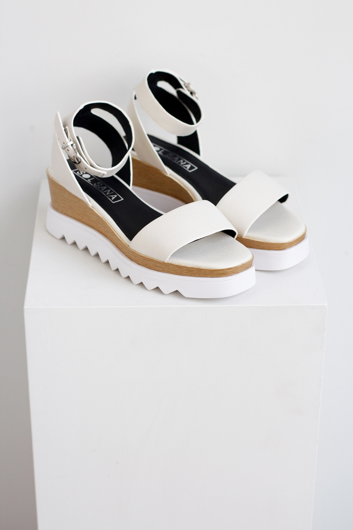 3f52a85e094 Sol Sana Tray wedge sandal in white