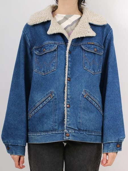 Vintage wrangler sherpa lined jean jacket - dark wash denim