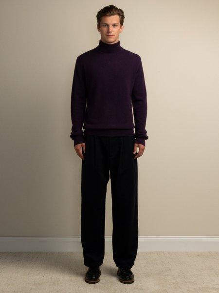 PURECASHMERE NYC Men Turtleneck Sweater - Deep Purple