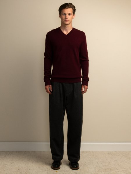 PURECASHMERE NYC V Neck Sweater - Burgundy