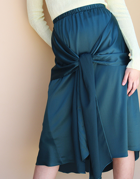 Achro BOW FRONT satin skirt