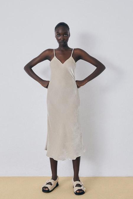 Silk Laundry 90s Slip Velvet Dress - Hazelnut