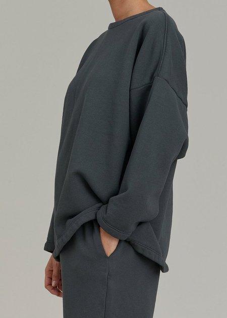 Black Crane Boyfriend Pullover - Asphalt
