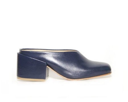 ZOU XOU Sabot Mule in Dark Navy