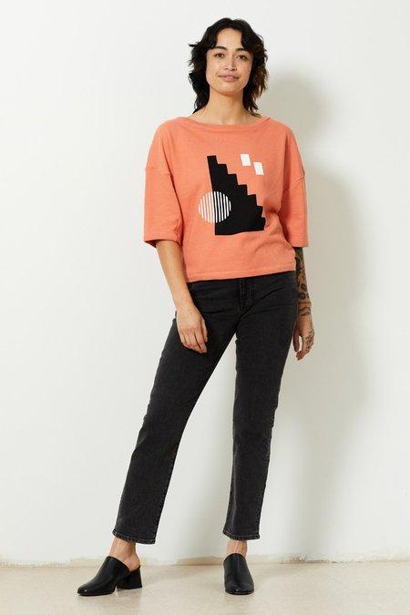 North Of West Cameron Organic Short Sleeve Sweatshirt - Flamingo/Stairs Print