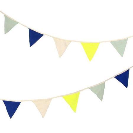 Meri Meri Knitted Flag Garland - Blue