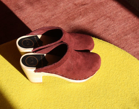 No. 6 Old School Clog in Burgundy Suede
