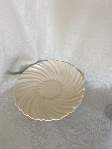 Vintage Large Scalloped Serving Dish - Cream