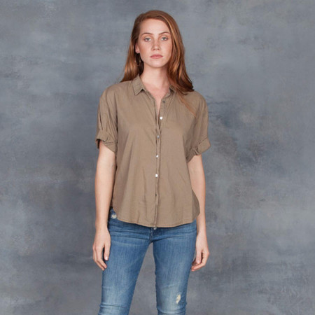Xirena Chance Cropped Shirt in Moss
