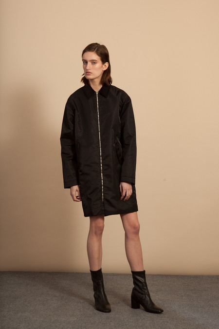 Nomia Oversized Mac - Black