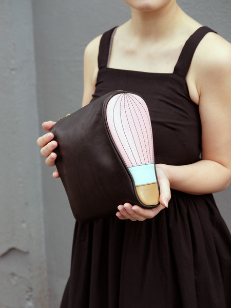 Welcome Companions LIGHT BULB BALLOON CLUTCH