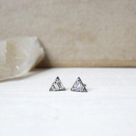 Robindira Unsworth white topaz baguette studs - pyramid