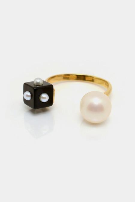 Nektar De Stagni Pearl & Onyx Ring