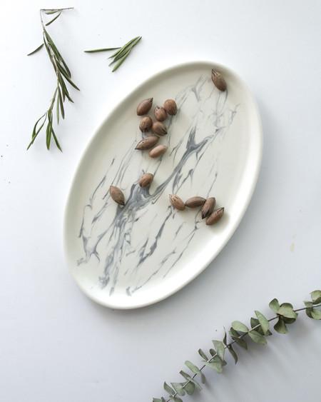 Eliana Marbled Oval Platter
