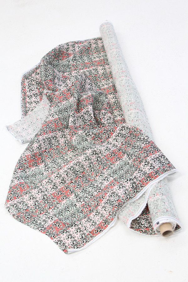 Lina Rennell Yardage Linen Lips & Noses