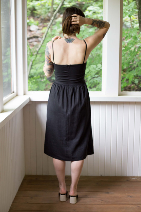 Vera Véro Breakfast Nook Dress (Black Linen)