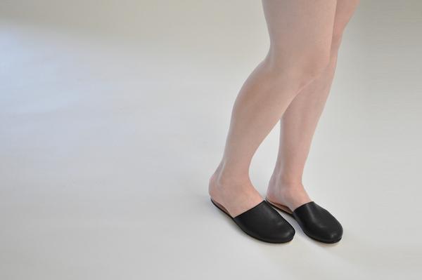 "The Palatines ""cognitio"" slide slipper |  black"