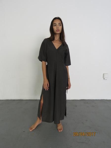 SAYAKA DAVIS SIDE GATHERED DRESS - CHARCOAL GRAY