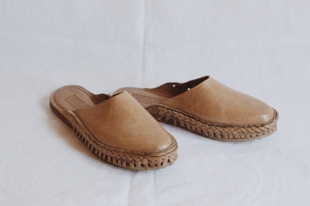 Mohinders Leather Slide