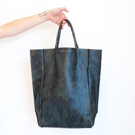 Ampersand as Apostrophe Leather Out Tall Tote in Olive Camo