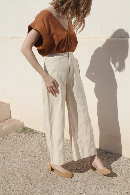Esby Lucia Ankle Seamed Pant in Natural