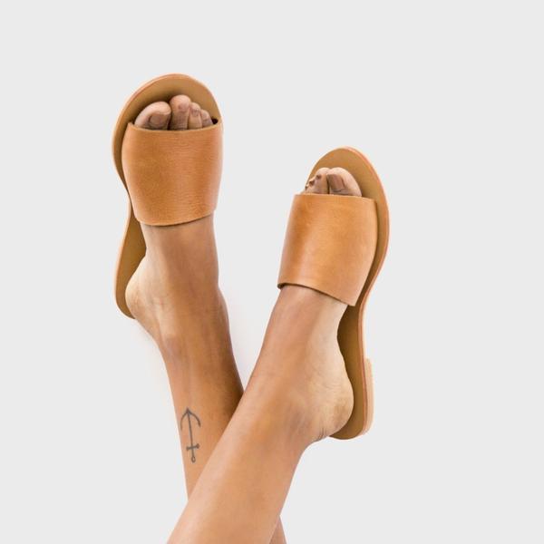 St. Agni Aiko Basic Slides - Tan