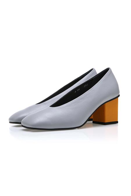 Yuul Yie Square Glove Heel - Grey