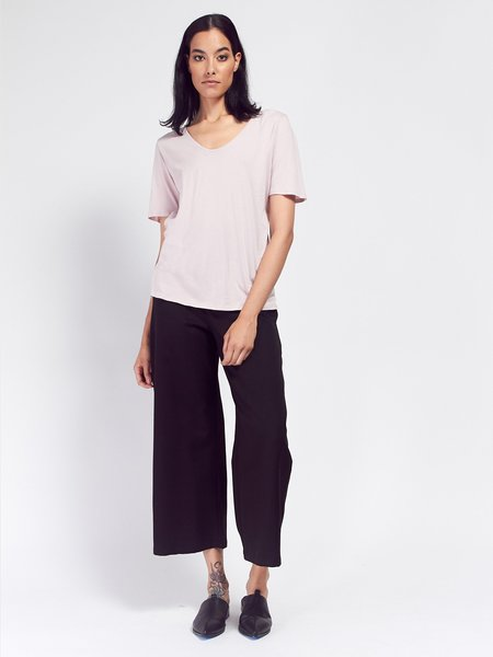 Kowtow Building Block V Tee - Powder