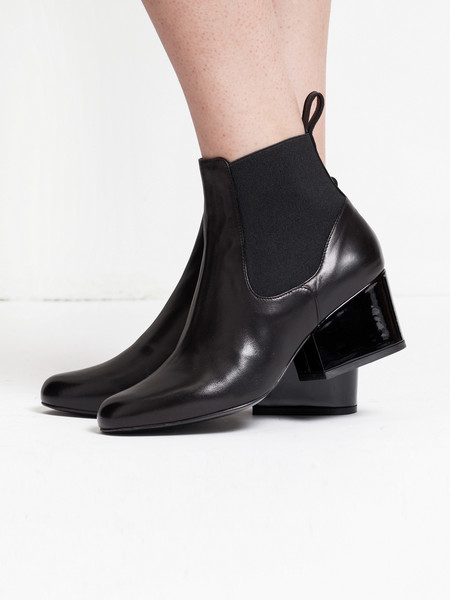 Robert Clergerie Moon Boot Black