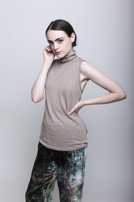 Raquel Allegra Sleeveless Turtleneck - Camel